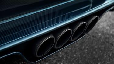 Bugatti Chiron 110 edition - pipes