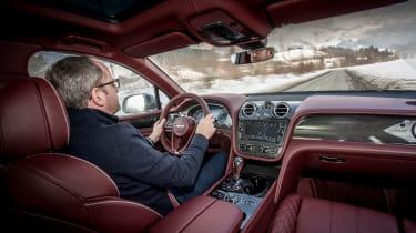 Bentley Bentayga V8 – driving shot