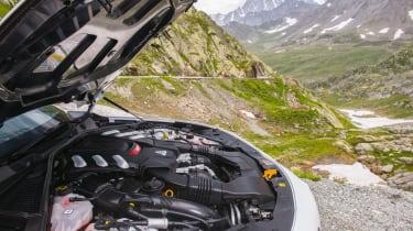 Alfa Romeo Giulia Quadrifoglio - Engine