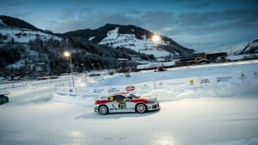 Porsche Cayman GT4 Rallye - sude