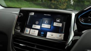 Peugeot 208 Feline THP 156 touchscreen media