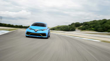 Renault Zoe E-Sport - front tracking