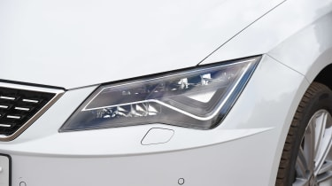 SEAT Leon - 2017 headlights