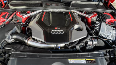 Audi RS4 – engine
