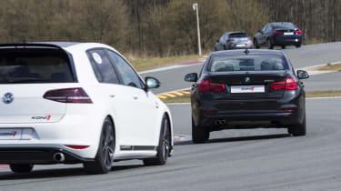 BMW 320i rear cornering