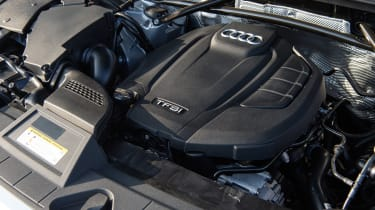Audi Q5 S Line TFSI - engine