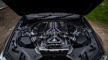 BMW M5 CS – engine
