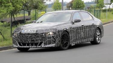 Next generation BMW 7-series spied – front quarter 3