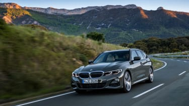 BMW 3-series Touring 2019 - front quarter