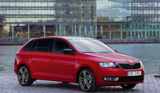 Skoda Rapid Spaceback red