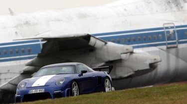 crashed 9ff GT9R with Jumbo