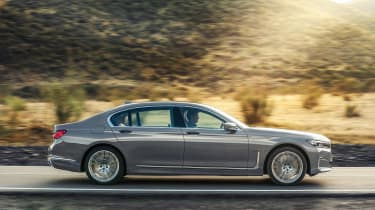2019 BMW 7-series - profile