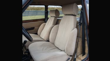 Renault 5 turbo seats