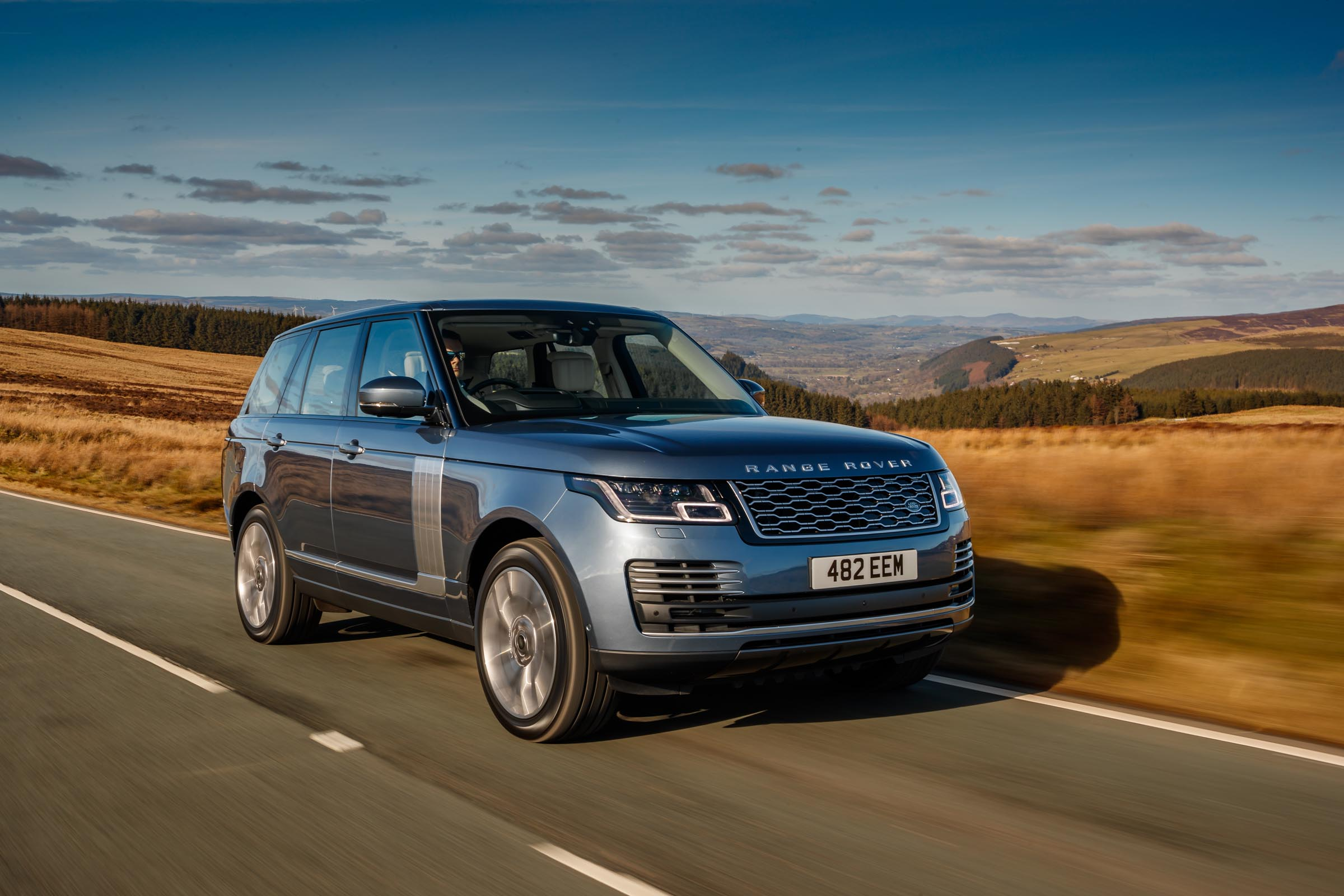 Range Rover PHEV review - we meet the P400e luxury plug-in