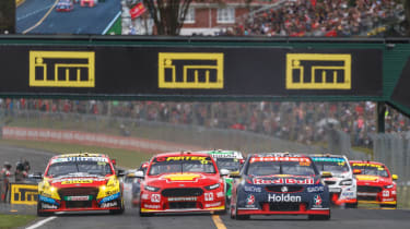 Auckland V8 Supercars - lead pack