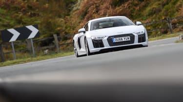 Audi R8 – front