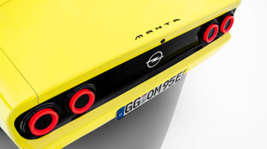Opel Manta GSe restomod