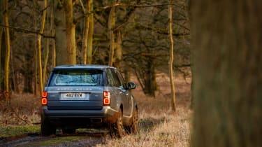 Range Rover P400e PHEV off-road