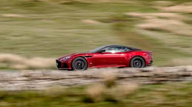 Aston Martin DBS Superleggera side pan