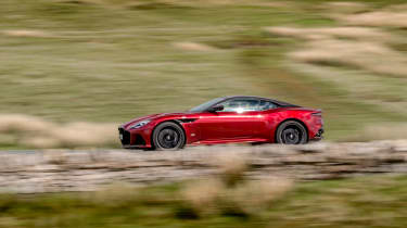Aston Martin DBS Superleggera side pan