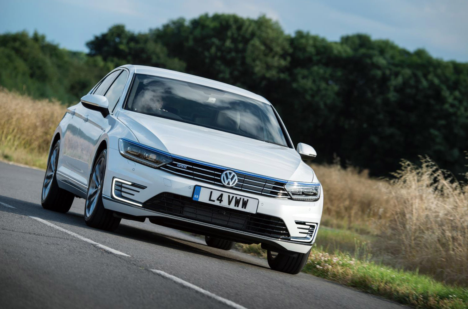 Volkswagen Passat 1 8 TSI review - price, specs and 0-60