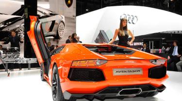 New Lamborghini Aventador LP700-4 supercar official pictures