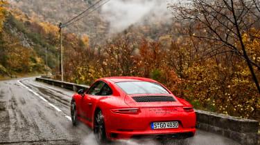 Porsche 911 Carrera T – rear quarter