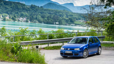 Volkswagen Golf R32 front three quarter