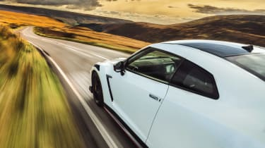 R35 Nissan GT-R Nismo side