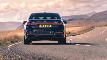 BMW 7-series review - rer