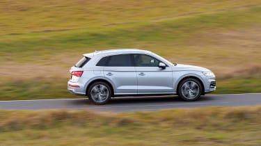 Audi Q5 S Line TFSI - profile