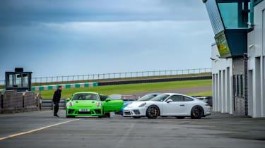Porsche 911 GTs - paddock