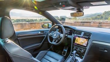 VW Golf GTE - interior