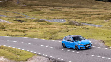 Ford Focus ST Edition – front cornering