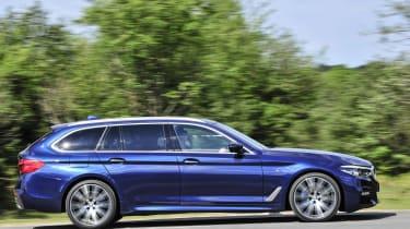 BMW 530d xDrive Touring panning
