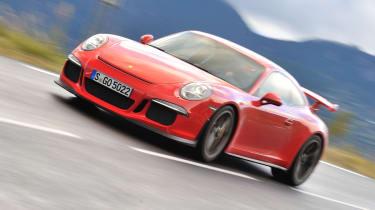 Porsche 911 GT3 2013 red front