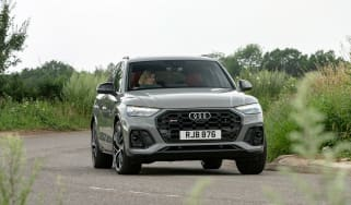 Audi SQ5 Sportback 2021 – front cornering