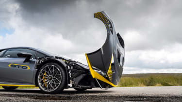 Lamborghini Huracan STO CP – clamshell