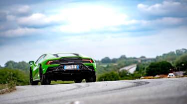 Lamborghini Huracán Evo RWD – rear quarter cornering
