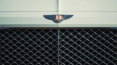 Bentley Bentayga PHEV - badge