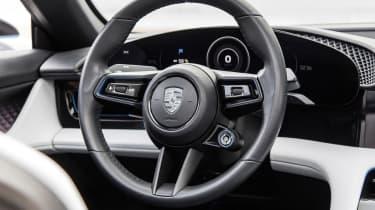 Porsche Mission E Cross Turismo - wheel