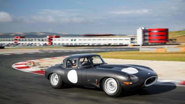 Lightweight Jaguar E-Type - dynamic