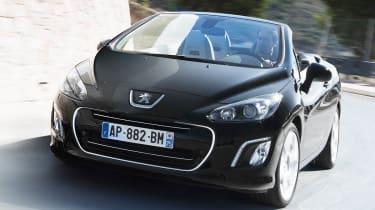 New Peugeot 308 hatchback revealed