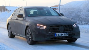 Updated 2019 Mercedes E-class spied – turning