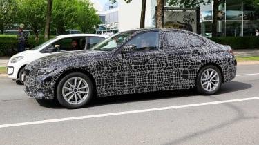 BMW 3-series G20 - side