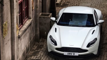 Aston Martin DB11 V8 - front lifted