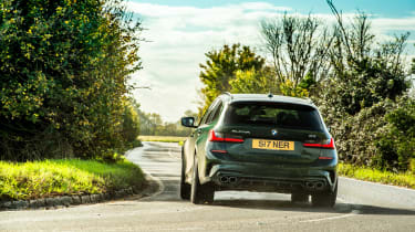 Alpina B3 Touring – rear cornering