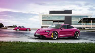 2022 Porsche Taycan – 964