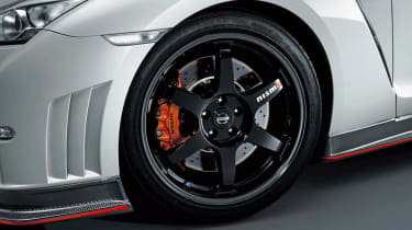 Nissan GT-R Nismo 20in alloy wheel Dunlop tyres
