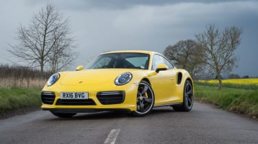 991.2 Porsche 911 Turbo S - front static